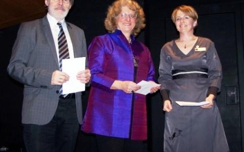 Spendenübergabe an das Seniorenbüro und die Hochschule für Musik